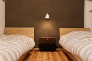 初台の家の寝室